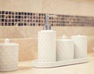Coral_bathroom_detail