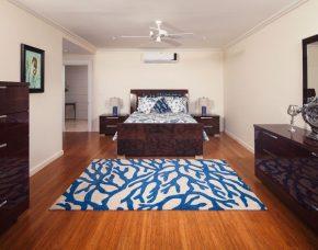 Seahorse Room, Bed
